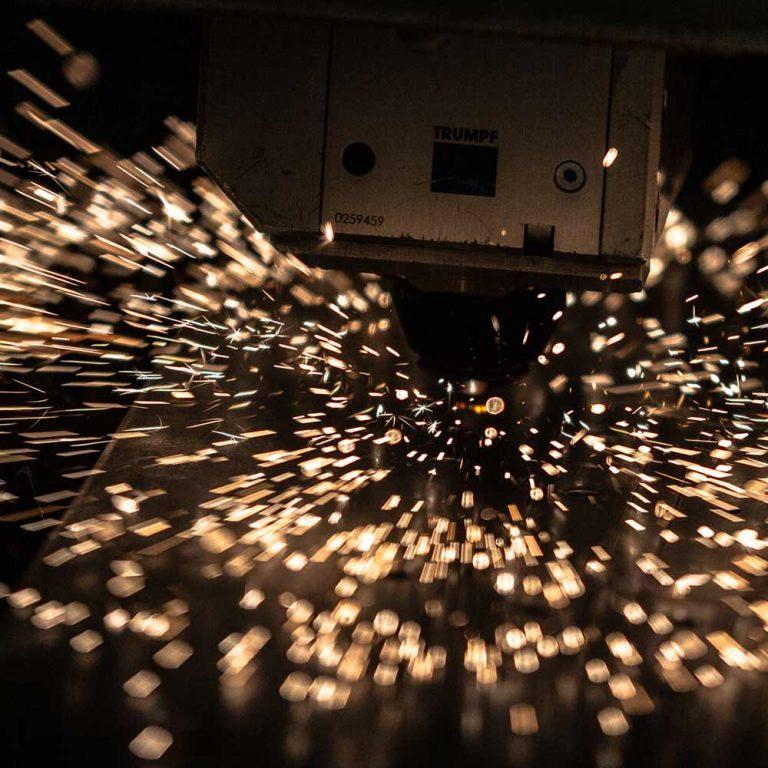 découpe industrielle machine précise